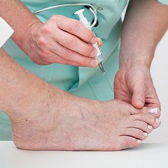 Identifying uric acid, which causes gout attacks, can lead to the diagnosis of gouty arthritis.
