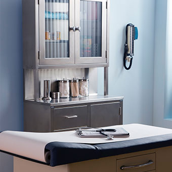 An image of a doctor's medical exam room.