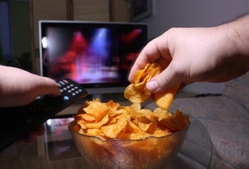 Late-night snacking can pack on the pounds.