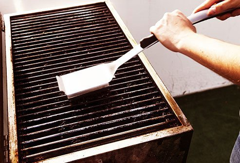 Summer safety tips for kids involve keeping children away from the grill.