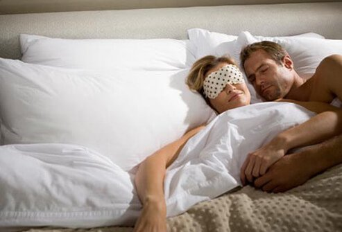 Researchers have found that those who regularly sleep from 6-8 hours a night have better cardiovascular health and are more likely to be free of certain cognitive problems.