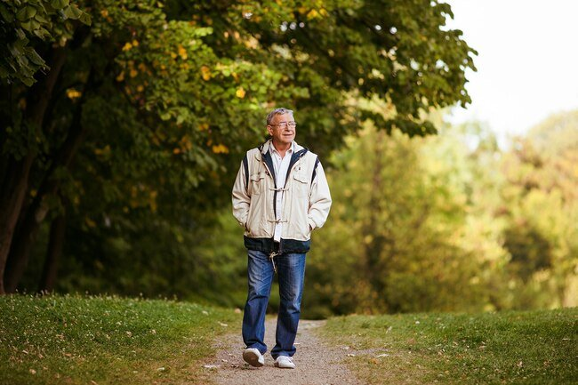 But people with Alzheimer's disease sometimes forget where they are.