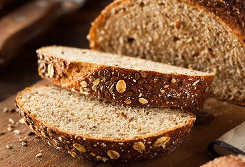 Whole grains are rich in magnesium, fiber, and antioxidants.