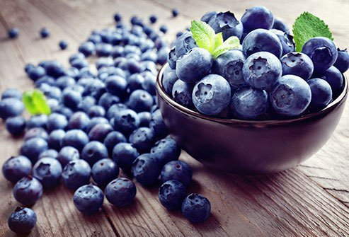 The deep blue of these berries does more than make a pretty pie.