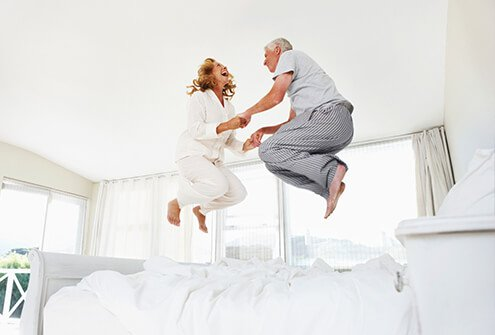 Learn to deal with chronic pain in the bedroom.