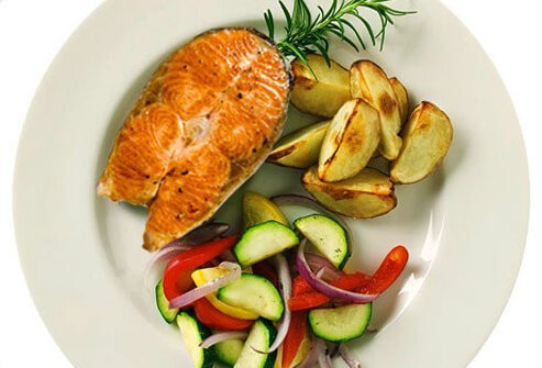 New American plate with salmon and vegetables.