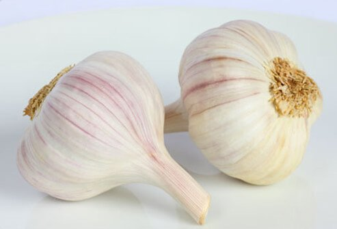 Two heads of garlic.