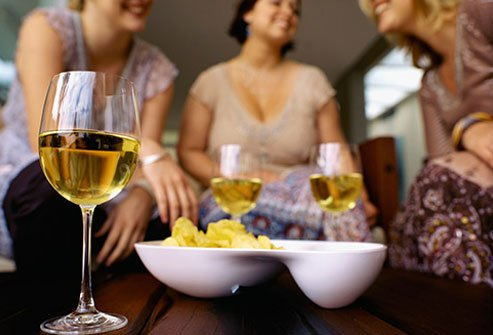 Drinking, obesity, and female gender up the risk of alcoholic fatty liver disease.