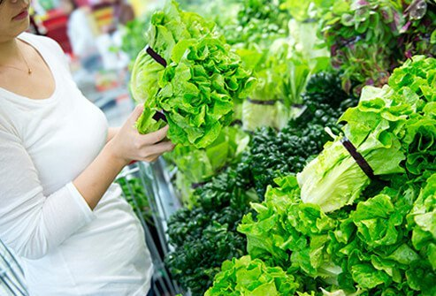 Foods that help battle depression includes folate-rich leafy greens.