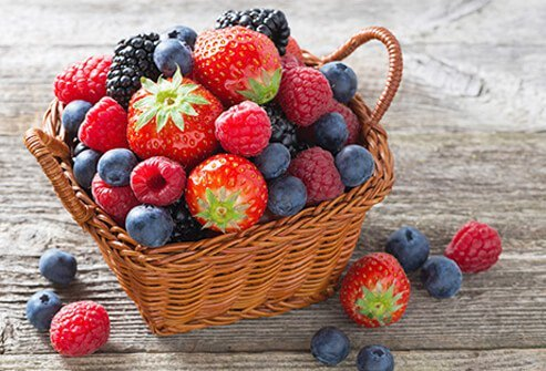 Berries are foods that reduce anxiety and depression.
