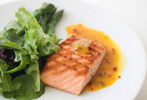 Fish is a healthy choice when dining out.