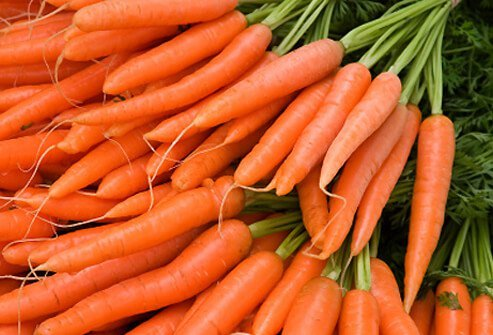 Fresh carrots at an organic farmers market.
