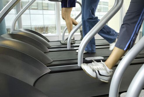A regular exercise program and weight loss can help relieve the symptoms of spider veins and varicose veins.