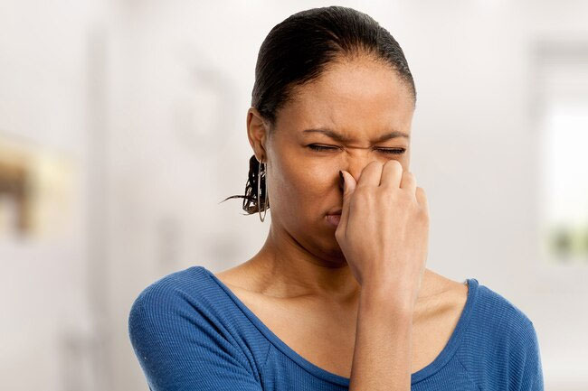 An inability to break down trimethylamine may lead to fishy smelling odor.