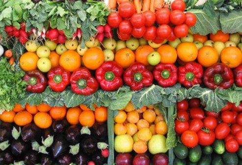 Vegetables with rich, deep color are the best sources of antioxidants that keep brain cells strong and healthy.