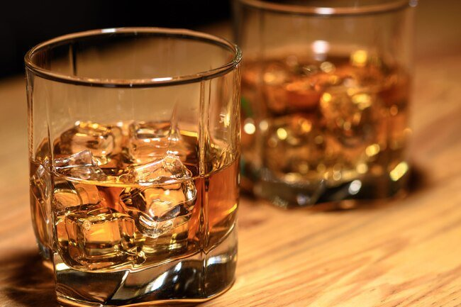 Heavy drinking has the potential to harm the kidneys.