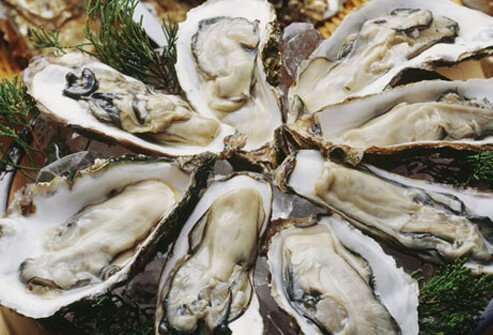 Photo of raw oysters.